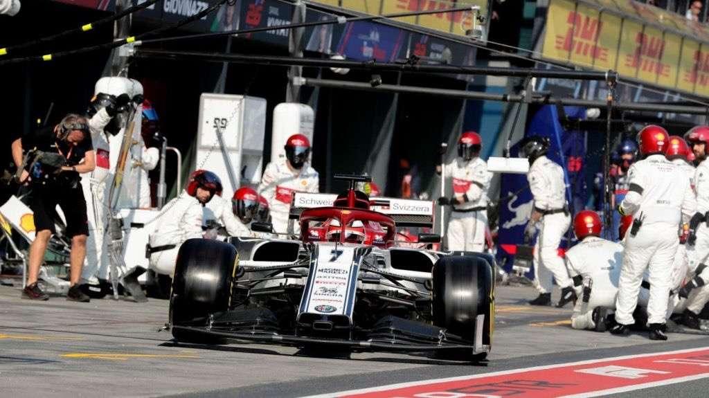 """Räikkönen: """"Nuestro coche fue bastante fuerte en carrera, pero nos quedamos atascados en el tráfico"""""""