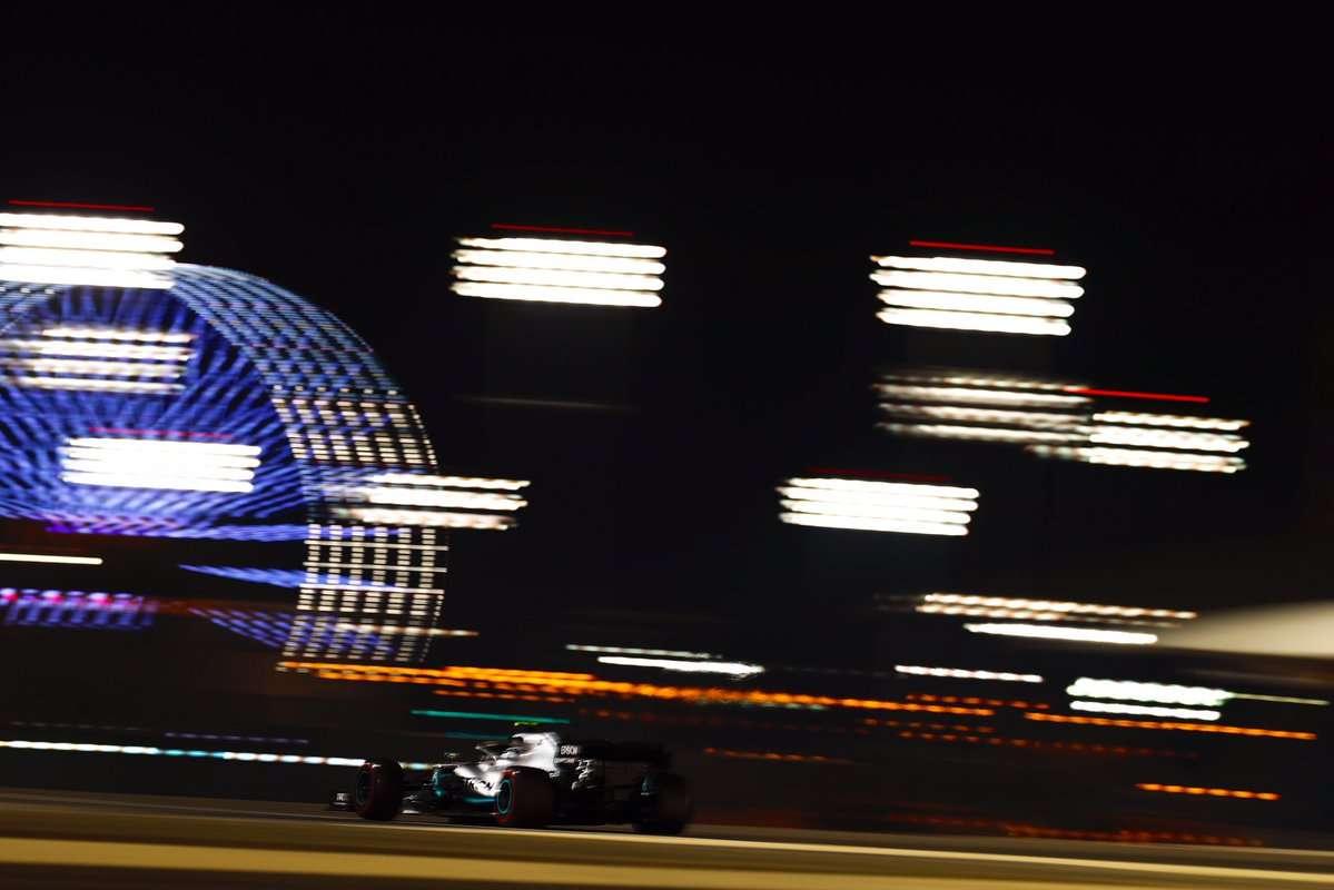 Mercedes no puede con Ferrari en los primeros libres de Sakhir