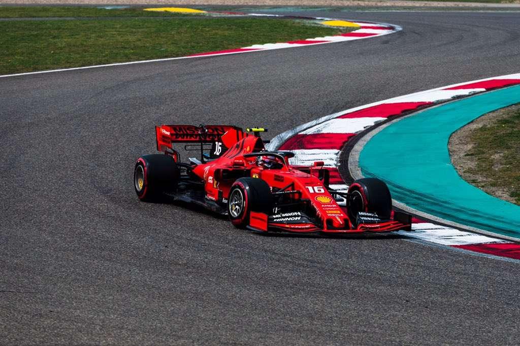 Ferrari minimiza daños ocupando la segunda línea de parrilla