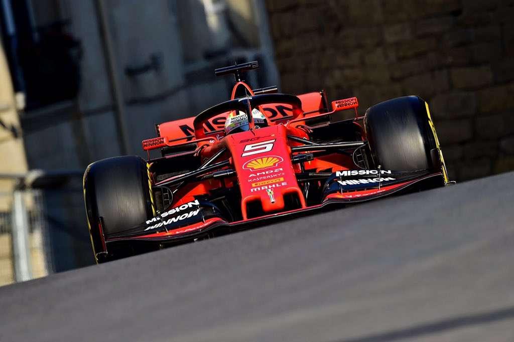 Ferrari, al frente del grupo en el primer día de pruebas sobre Bakú