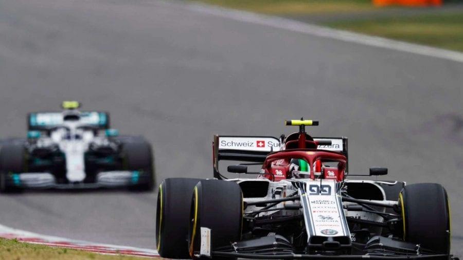 Räikkönen brilla de nuevo y mete a Alfa Romeo en los puntos