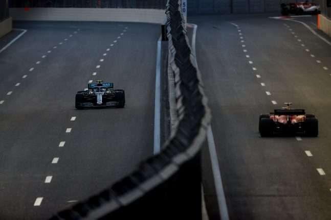 Mercedes lejos de Ferrari en los primeros libres de Bakú