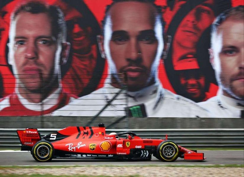 Vettel rescata un podio en China en otro hundimiento de Ferrari