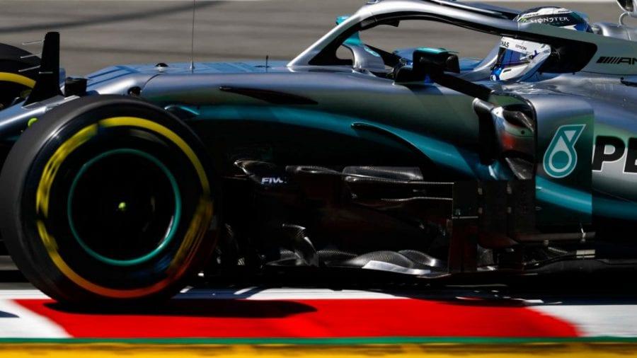 Mercedes y Bottas empiezan mandando en el Circuit