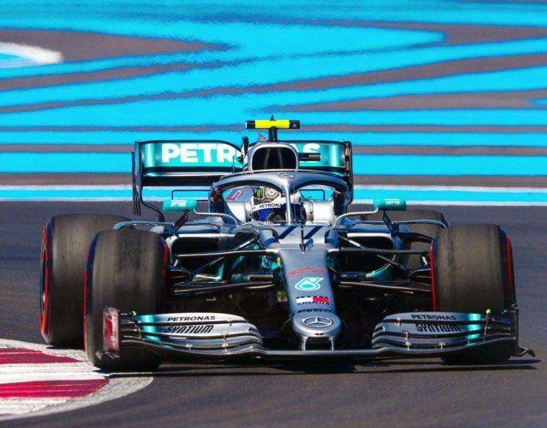 Mercedes domina la jornada de viernes en Francia