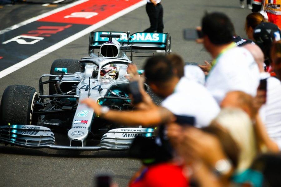 Hamilton domina en Francia y se aleja en el Campeonato