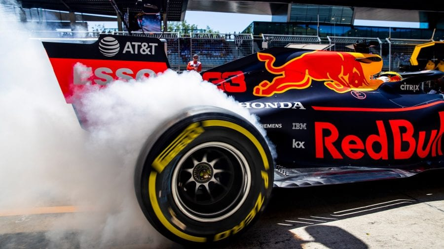 Accidente de Verstappen en casa de Red Bull