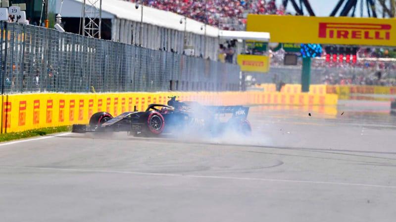 Magnussen estampa contra el muro su clasificación y la de Grosjean