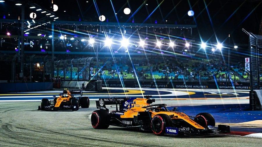 Carlos Sainz lidera la clase media en los libres de Singapur