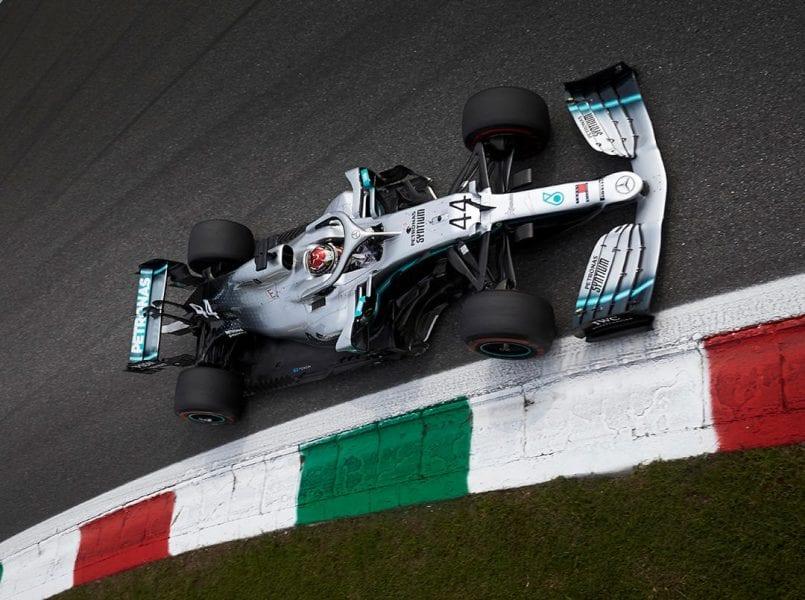 Los Mercedes (2º y 3º) se cuelan entre los Ferrari