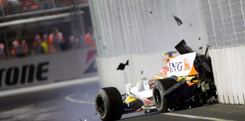 Nelson Piquet impacta de forma intencionada contra el muro