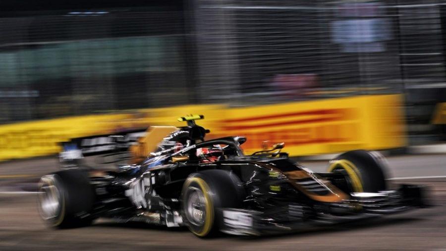 Grosjean roza los puntos y Magnussen acaba último en Singapur